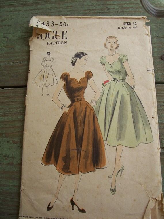 DRESS PATTERN FROM 1950s