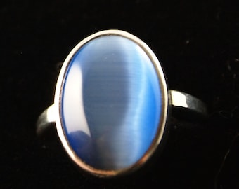 Sterling Silver and Blue Dale Stone Ring Size 8 1/4