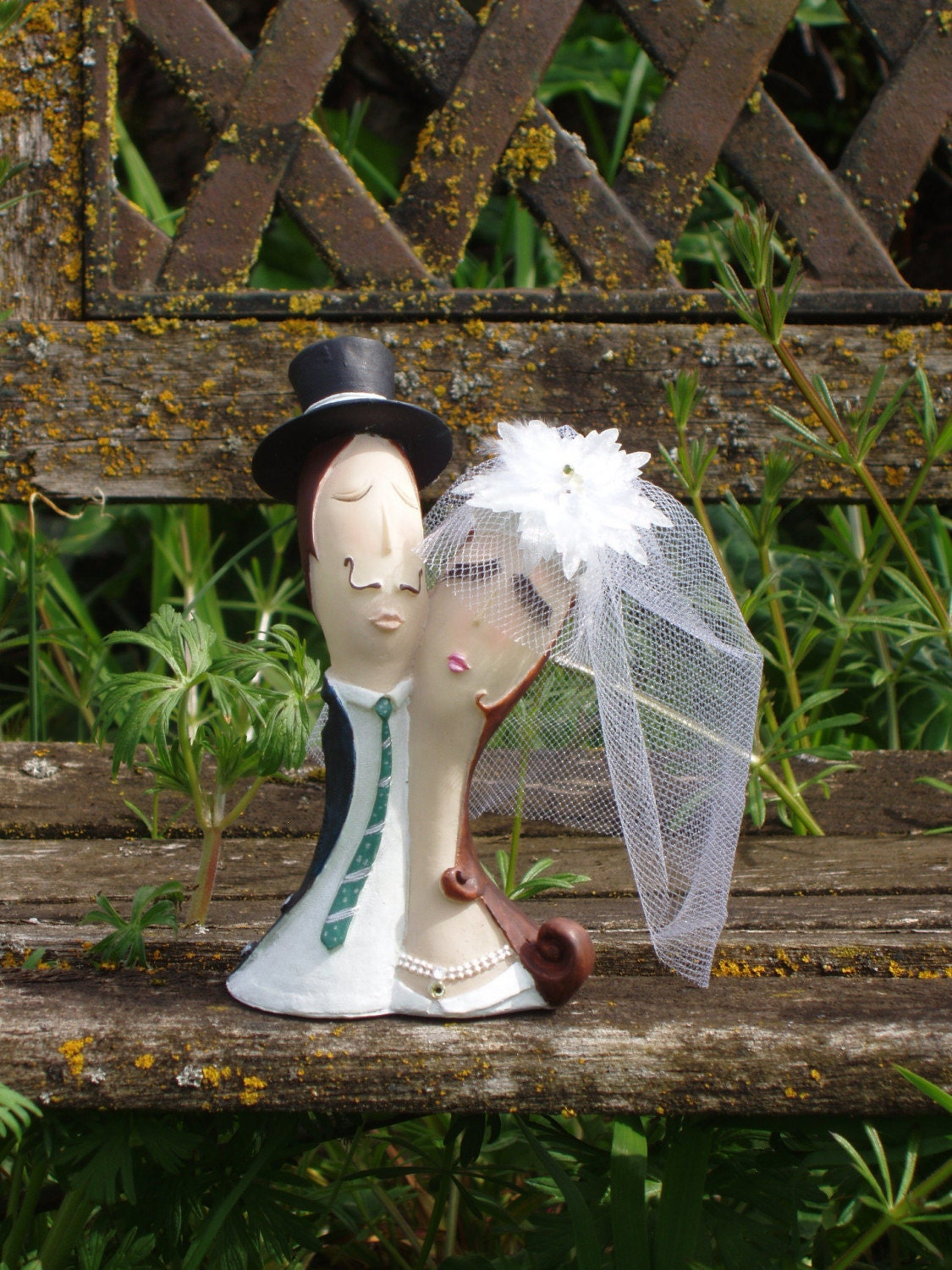 THE KISS Bride and Groom Cake Topper