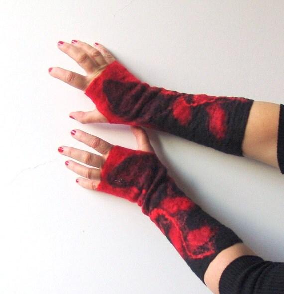 Felted fingerless gloves Mittens -  Black Red gift under 50