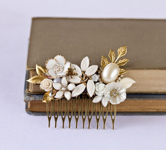 OOAK Bridal Hair Comb - Vintage Wedding Hair Accessories, Something Old Collage Hair Comb, Spring Bridal Hair Piece White Gold Cream