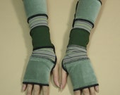 Striped Armwarmers in Upcycled Look, Fingerless Stretchy Gloves in Green Shades Mittens for Her Warm Clochard style Sleeves Armstulpen