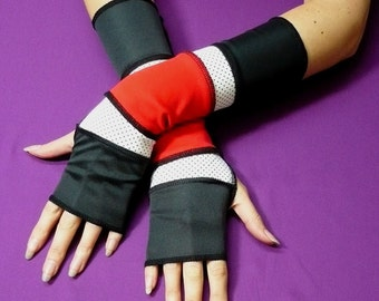SALE Fingerless Gloves in Upcycled Look, Black Red and White Armwarmers, Polka Dot, Segmented Sleeves for Autumn Clochard Armstulpen