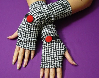 Elegant Houndstooth Fingerless Gloves, Black and White Retro Armwarmers with Red Buttons, 60s style Mittens
