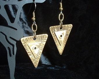 Nugold Triangle Earrings