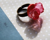 Smell The Roses - Pink rose button ring