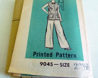 Vintage Mail Order Pattern Womens Pants and Top 9045 size 22.5