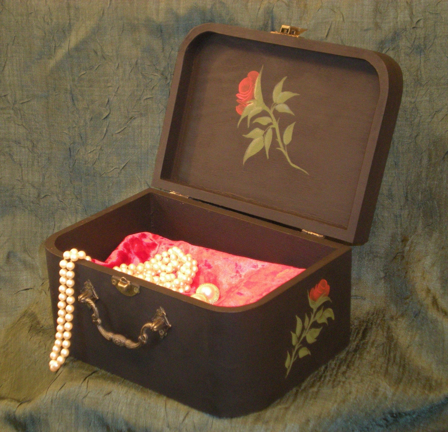 red rose jewelry box hand painted with sapphire and gold