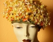 VINTAGE FLORAL BERET HAT circa 1950s.  I. MAGNIN LABEL VERY WELL MADE.  FUN CHIC FABULOUS.