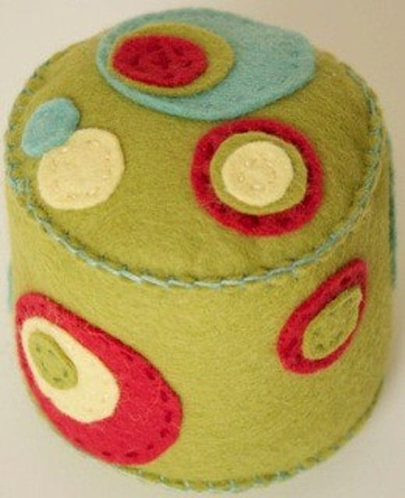 Items similar to Pincushion - Polka dot pea soup on Etsy