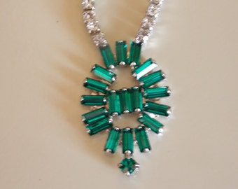 VIntage emerald  and clear colored rhinestone necklace