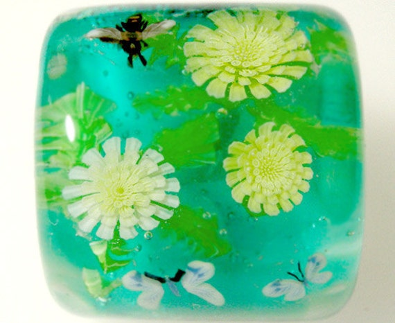 White & Yellow Dandelion Flower with Bee, Butterfly Square Bead sra