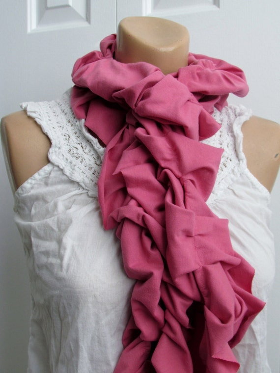Ruffle Scarf in Pink