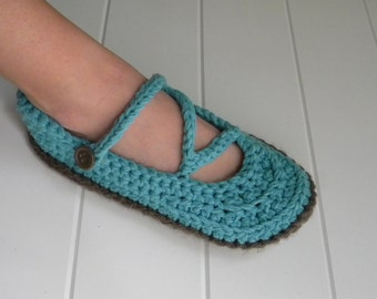 Zig Zag Slipper Crochet Pattern(5 sizes:child to adult) Permission to sell finished items.Immediate PDF file download.