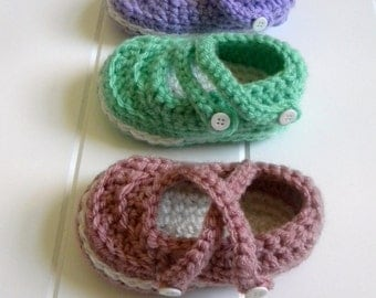 Mary Jane Booties Crochet Patter.4 sizes:0-12 monthsPermission to sell finished itemsImmediate PDF file download..
