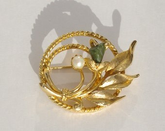 Gold Tone Brooch with Pearl and Green stone Signed Sarah Cov  Vintage