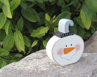 SNOWMAN FACE ORNAMENT Block for Christmas, Noel, shelf, desk, office, mantle and home decor