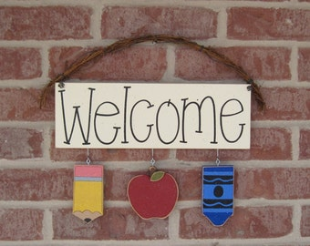 Monthly  WELCOME SIGN (AUGUST) for wall and home decor