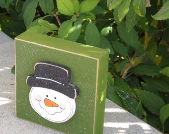 GREEN SNOWMAN FACE Block for Christmas, Winter, Noel, shelf, desk, office, mantle and home decor