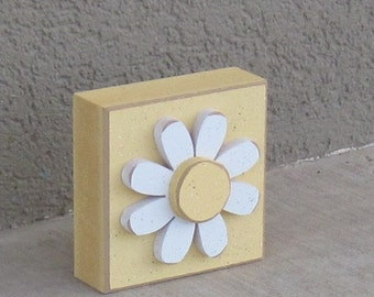 Yellow 3-1/2 inch SQUARE DAISY BLOCK for Easter, Spring, girl room and home decor