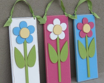 Set of 3 Hanging Daisies for Spring, Summer, girl, wall, room and door decor