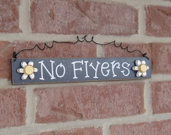 Free Shipping - NO FLYERS SIGN with 2 daisies (Navy Blue) for home and office hanging sign