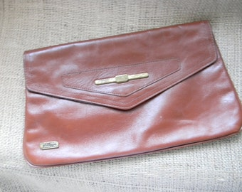 vintage. 70s Philippe Sienna Leather Clutch