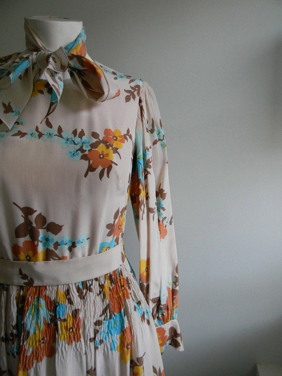 vintage. 50s  MONNA LAURA Handmade Italian Silk Dress with Neck Scarf and Belt / Small