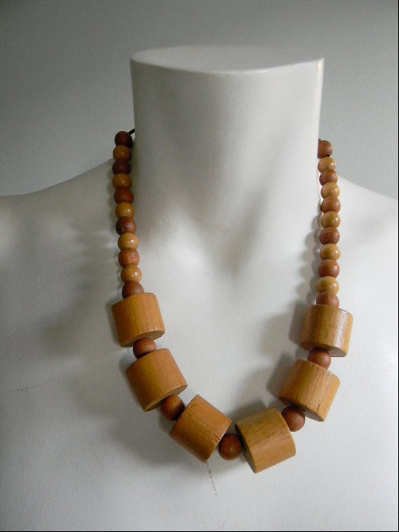 vintage. 70s Chunky Wood Statement Necklace