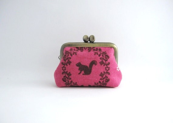 Coin purse- Mini kiss lock jewelry case with ring pillow