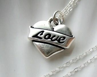 Retro Heart Love Charm Necklace - Silver - Valentine's Day