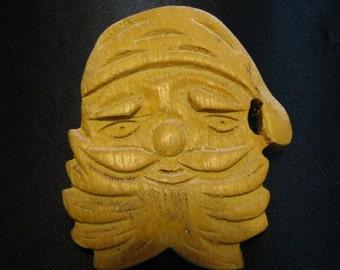 Vintage 1940s Santa Wooden Christmas Brooch Pin