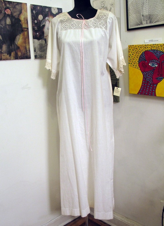 Vintage Victorian White Cotton Nightgown Crocheted Top and Lace Trim