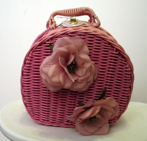 Vintage 1960's Adorable Pink Wicker Handbag with Fabric Flowers
