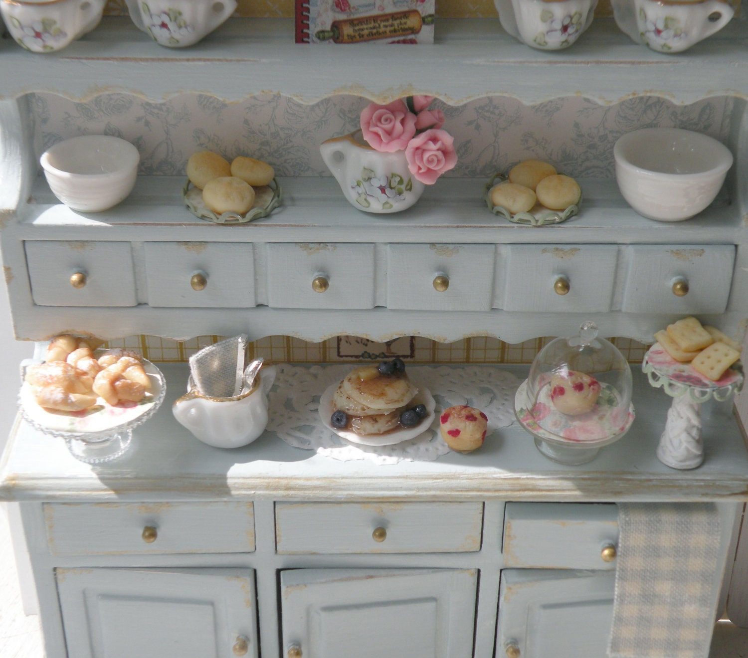 reserved miniature shabby chic kitchen hutch. Black Bedroom Furniture Sets. Home Design Ideas