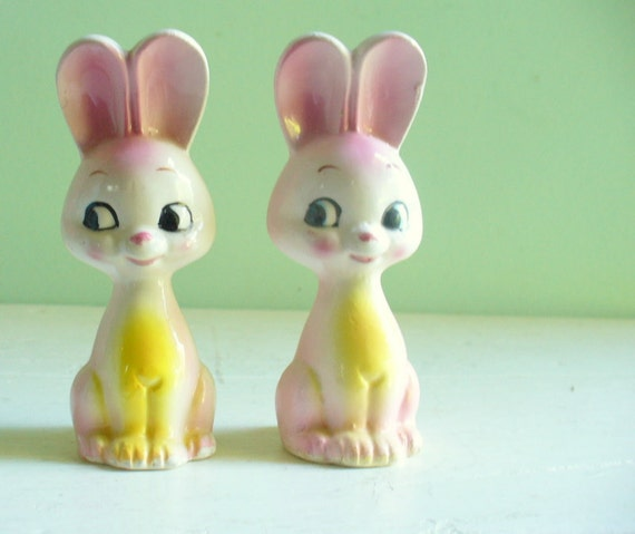 Pink Bunny Rabbits Salt and Pepper Shakers Kitschy Kitsch Cute Ceramic Vintage