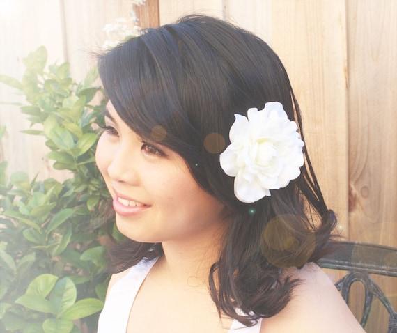 Reserved listing - Classic gardenia, off-white gardenia hair clip, flower for hair
