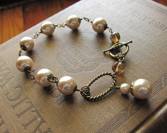 Champagne and Smoke Vintage Style Faux Pearl Bracelet