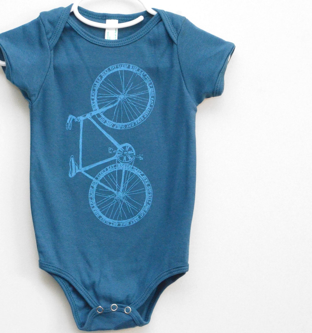 Kids' Cycle Clothing. Get your kids riding in style and comfortable with our wide selection of kids' cycle clothing. Kids' cycle clothing is just like the adult clothes, just smaller, bringing all the high performance technologies and materials to the little ones so .