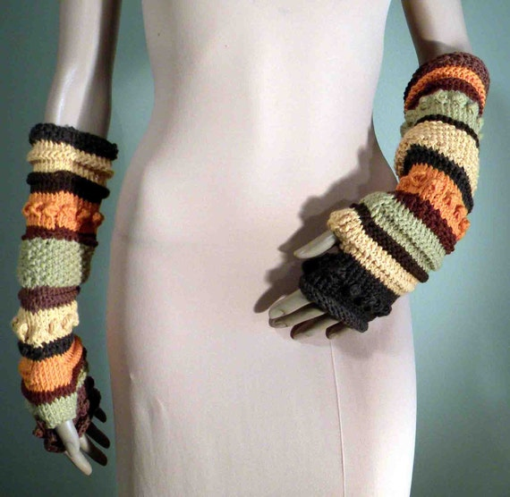 ACCORDION CHUNKY GLOVES - Trendy Fingerless, Exquisitely Soft, Top Quality Italian Yarns