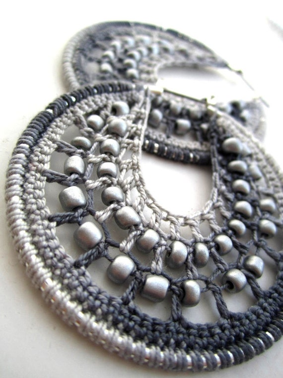 Crocheted hoops with beads in Silver