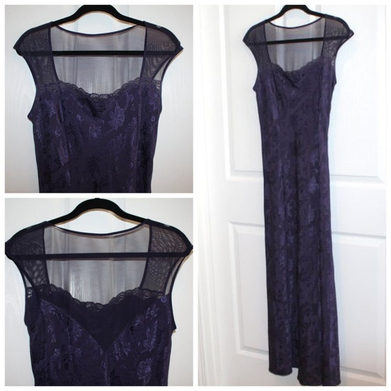 CLEARANCE /// Vintage Navy Lace Nightgown/Dress