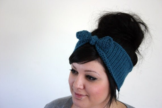 Hand Crocheted Womens Headband/Earwarmer. Retro. Pinup. - Bombshell Headband in Teal. Blue green. Mermaid green. by Susannahbean on Etsy.