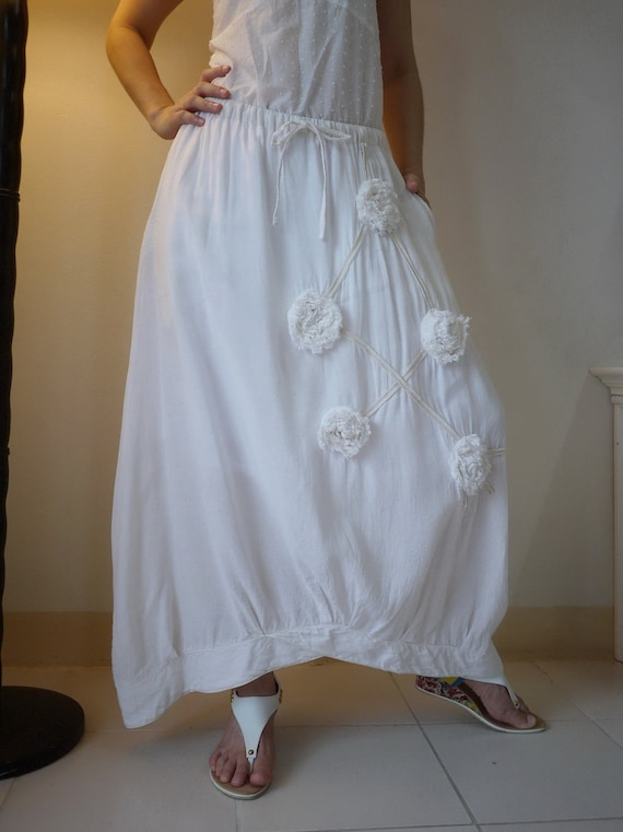 Funky Blossom...Floral Applique Natural White Or Ivory Light  Cotton Mix Viscose Skirt