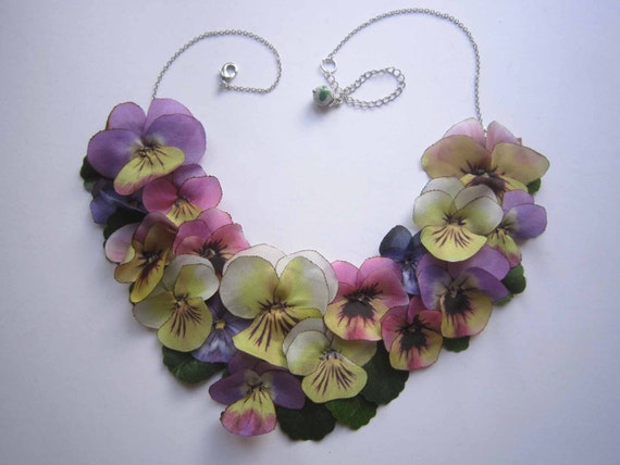 Blossom necklace with silk pansies  - 1004