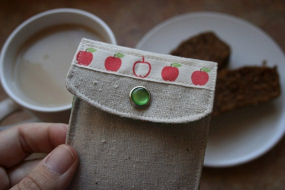 Little Apples tea/sweatener cozy.