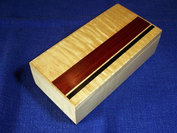 Men 39 s valet dresser box jewelry box maple wood with for Men s valet box