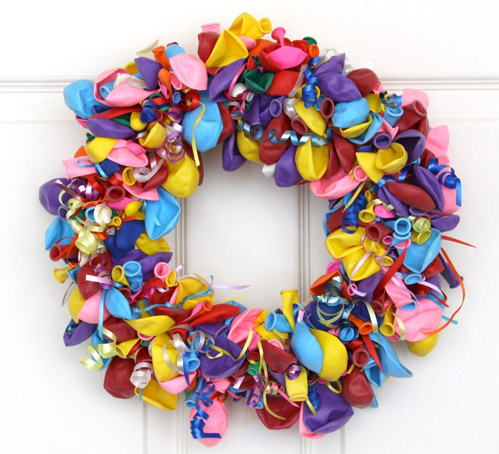 Colorful balloon wreath birthday balloon kids birthday party for Decoration carnaval