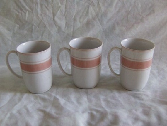 Fitz Floyd Rondelet Mugs Lot of 3 1975 Peach Pink Color on White