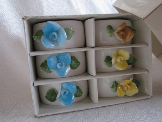 ON SALE  Very Pretty Set of Vintage China Flowers Napkin Rings Yellow and Blue
